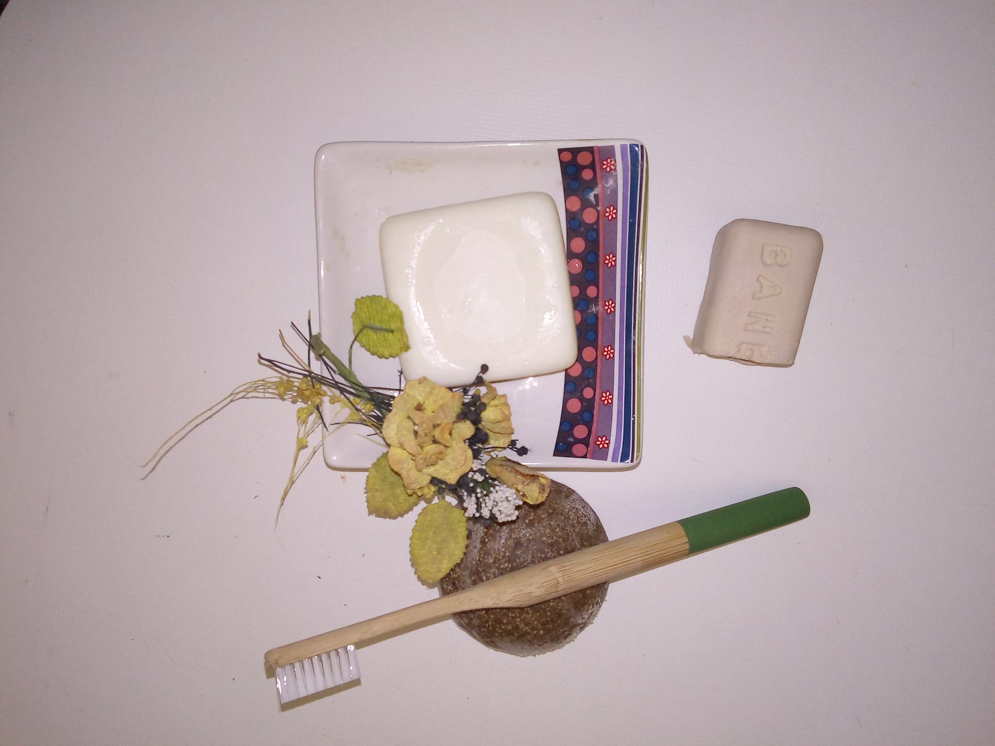 Los básicos en tu neceser para no llevar plásticos.