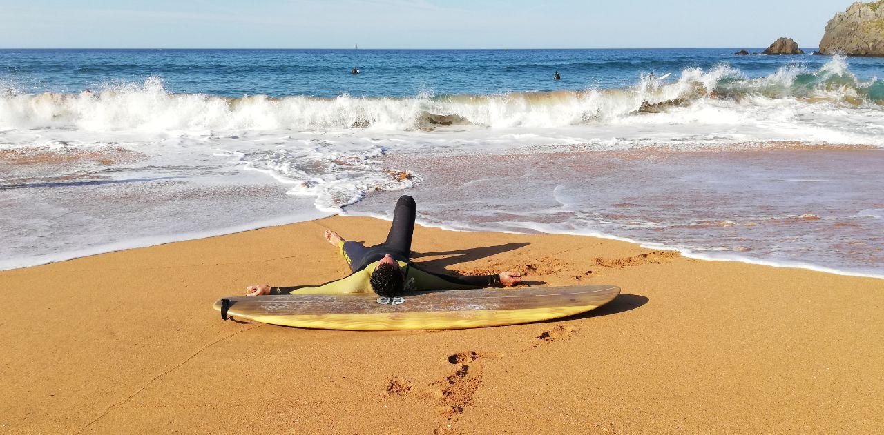 Borja de Testeadores de ocio nos cuenta su vivencia en el surf y cómo ve el tema de los plásticos en los mares.